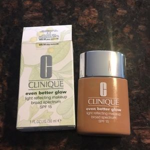 Clinique Even Better Glow WN 94 Deep Neutral
